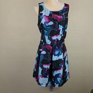 Kenzie Sleeveless Patterned Midi Dress